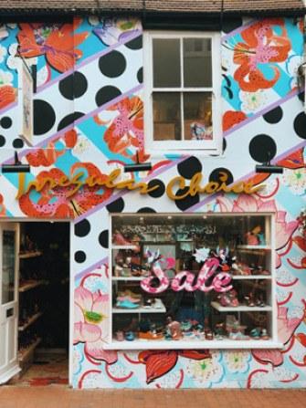 Devantures colorées des magasins de Brighton