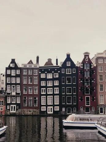 Les maisons danseuses d'Amsterdam