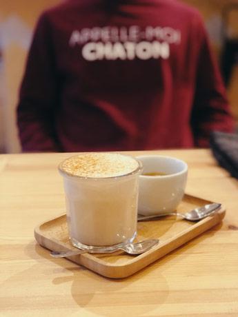Le café Kazerne 88 à Amsterdam