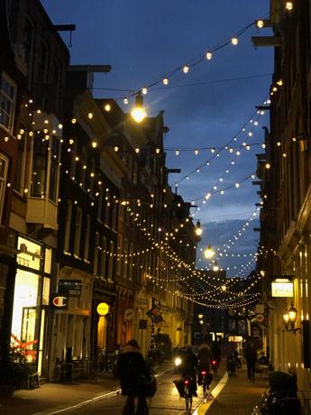 Le quartier des neuf rues à la tombée de la nuit