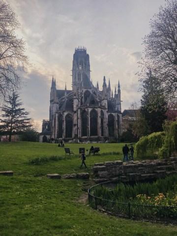 L'abbatial Saint Ouen de Rouen depuis les jardins
