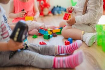 jak uczyć małe dzieci