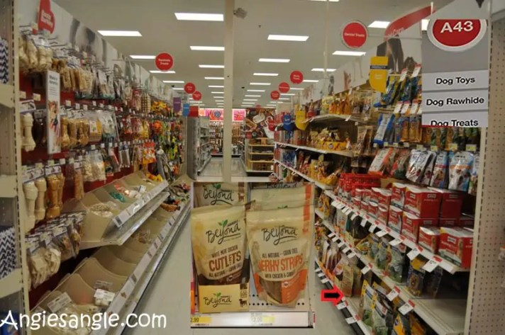 How to Fill a Halloween Bag For Your Dog - Purina Beyond - In Store