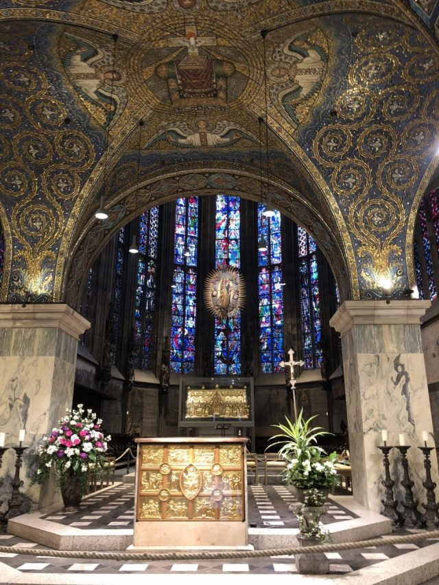 Aachen Cathedral altar