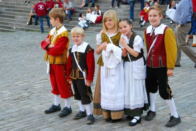 Children in Tracht, Rothenburg o. T.