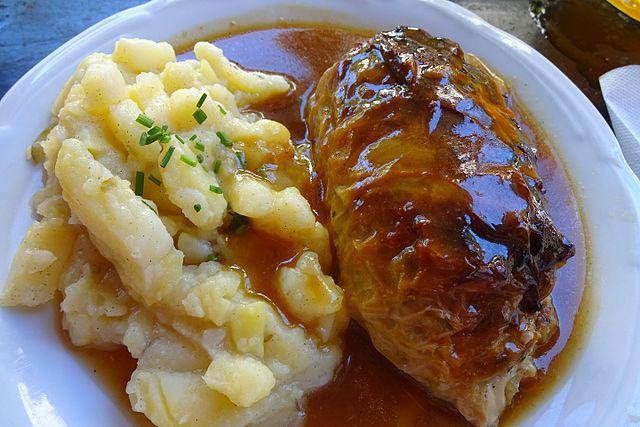 Stuffed Cabbage Rolls, Krautwickel mit Kartoffelsalat