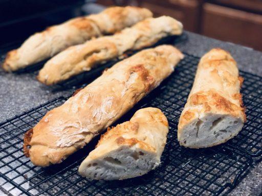 Crusty French Baguette, no knead baguette, Franzoesisches Weissbrot selbst gebacken