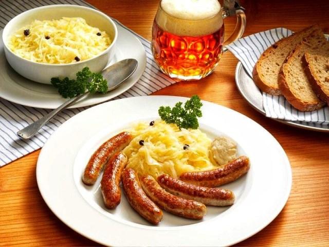 Bratwurst, potato salad