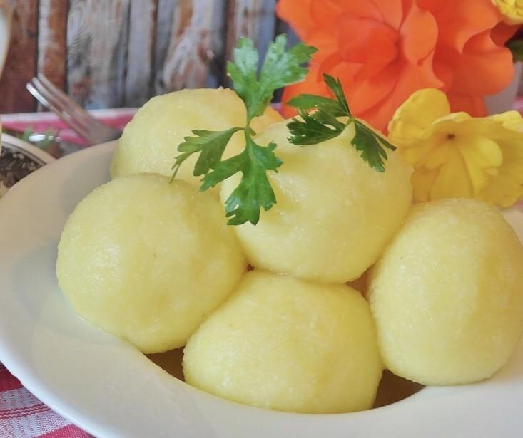 Potato dumplings, halb seidene Kartoffelknoedel
