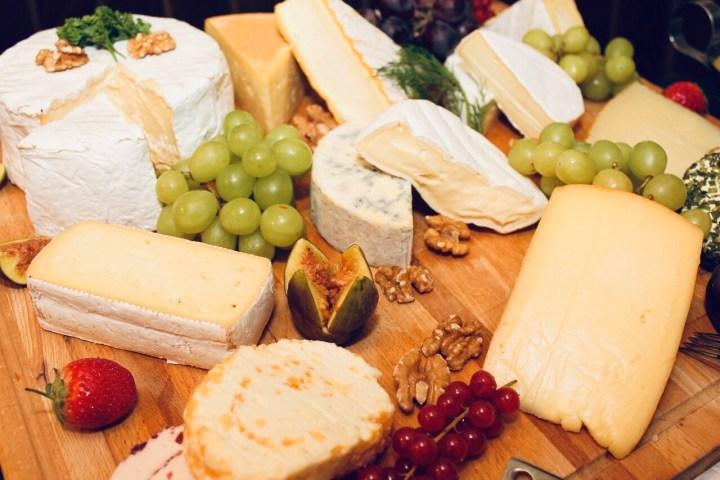 Cheese platter. Käseplatte