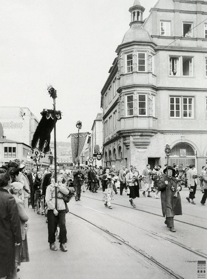 Pilgerzug Würzburg 1905 per Wikimedia