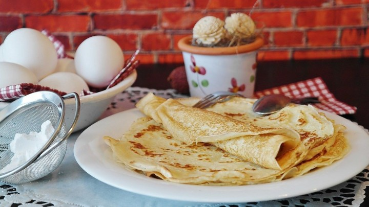 French crepes preparation