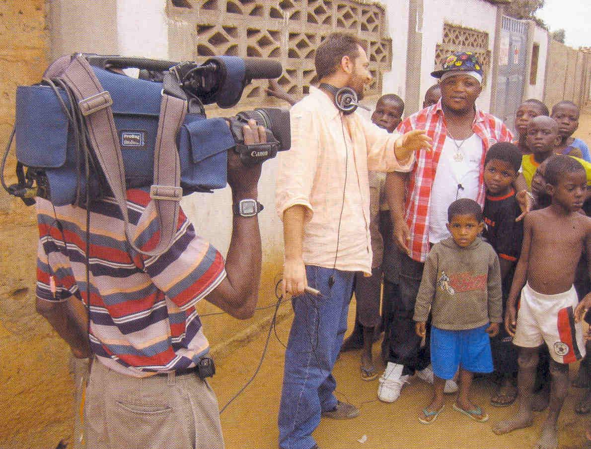 "Filmmaker Jorge Antonio directs Tony Amado while filming ""Kuduru, Fogo no Musseke"