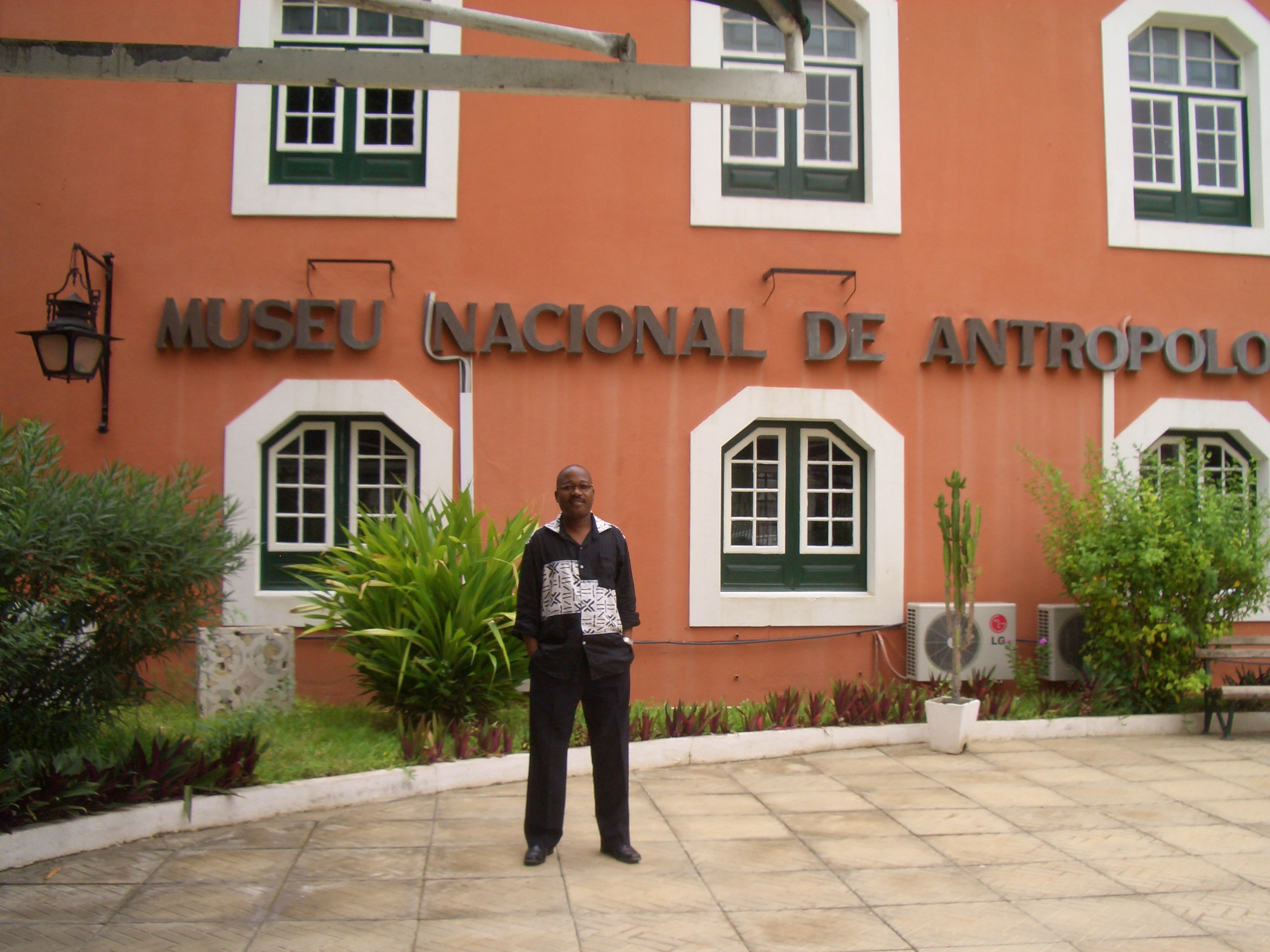 Americo Kwononoka, Director of Angola's National Museum of Anthropology, stands in the courtyard of museum in downtown Luanda.  Photo: Bente Vindvik.