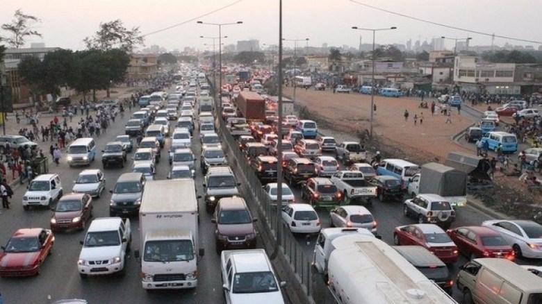 Taxa de circulação com aumento de mil milhões de kwanzas