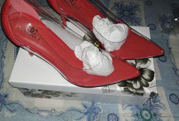 Sapatos altos transparente