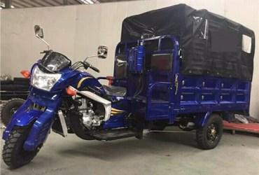 Moto 3 rodas a venda