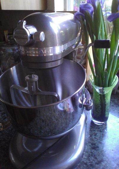 silver kitchen aid white bench kitchenaid handmixer medallion appliances tips and mixer contour hand 7 quart pro line stand
