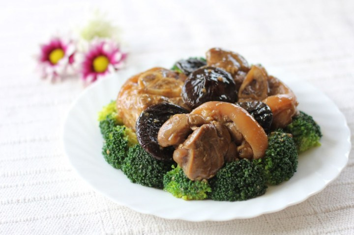 Braised Pork Hock and Broccoli Wide