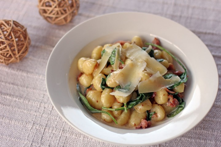 Creamy Bacon and Spinach Gnocchi Wide