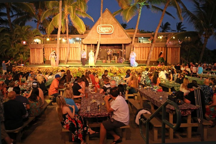 Germaine's Luau (Oahu, Hawaii) 03