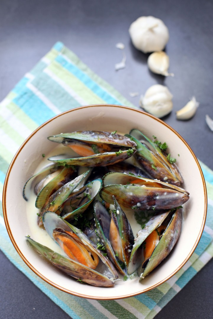 Garlic and Herb Mussels