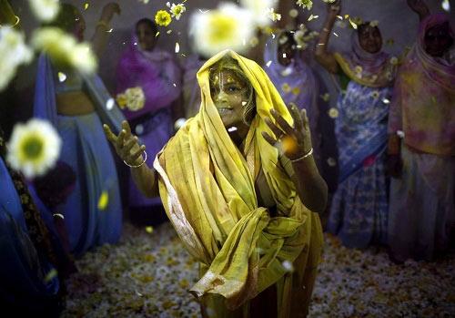 Lễ hội Holi: Cuộc chiến sắc màu ở Ấn Độ - 14