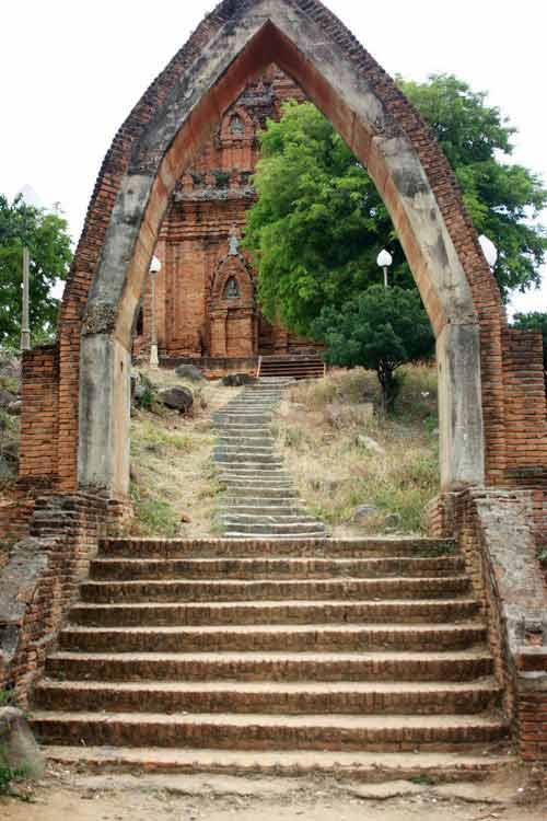 Hành trình núi, gió, cát, sóng và đền tháp Champa - 9