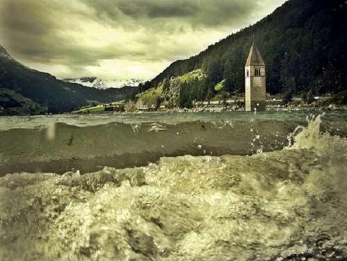 Tháp chuông quyến rũ giữa hồ nước Ý - 4