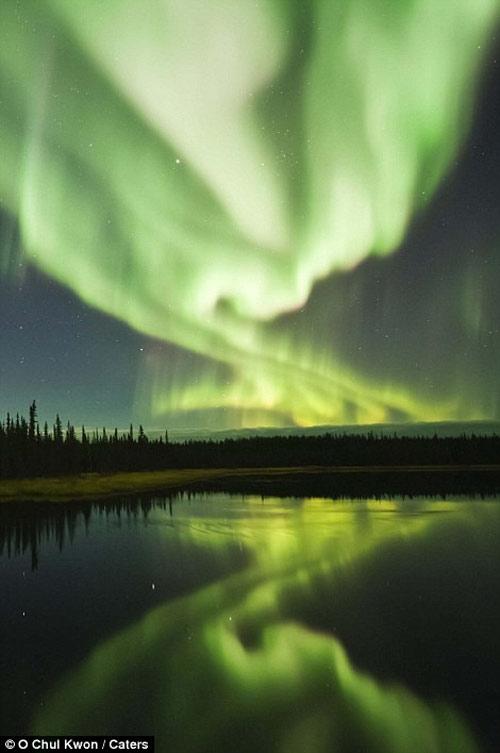 Ngắm cực quang huyền ảo ở Canada - 10