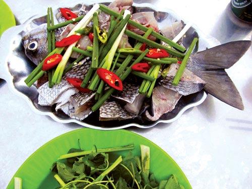 Ra Lý Sơn ăn cá tà ma - 1