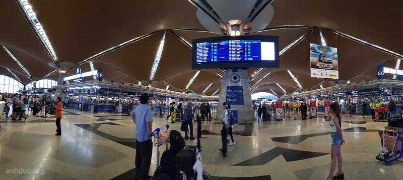 Sảnh checkin sân bay Malaysia