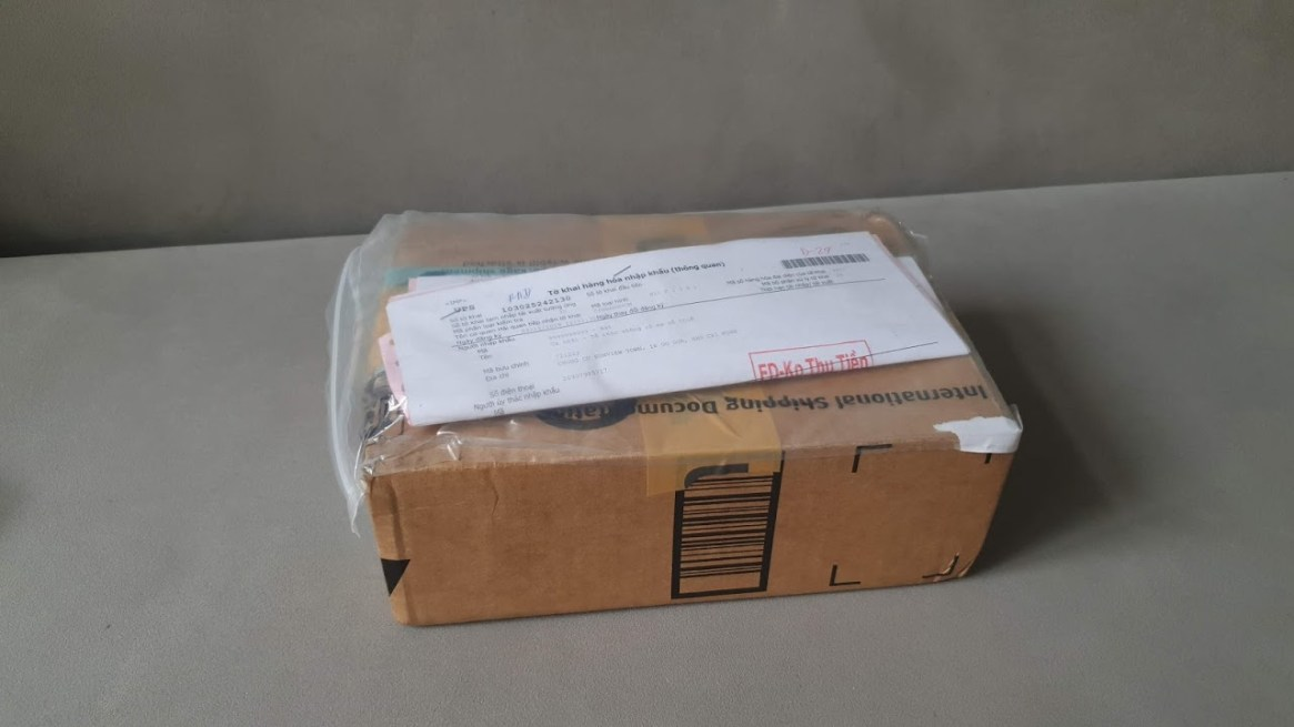 New-Razer-Phone2-Unlocked-UPS-Amazon