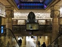 Egyptian Escalators: Ich kann es euch nicht ersparen, aber so sieht es nun mal an den Rollstreppen im Harrods aus. Hier der obere Abschluss des mehrstöckigen Gebäudes.