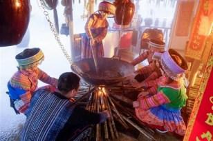 Du khách có cơ hội trải nghiệm văn hóa Tây Bắc đặc sắc khi đến Sa Pa, Lào Cai.