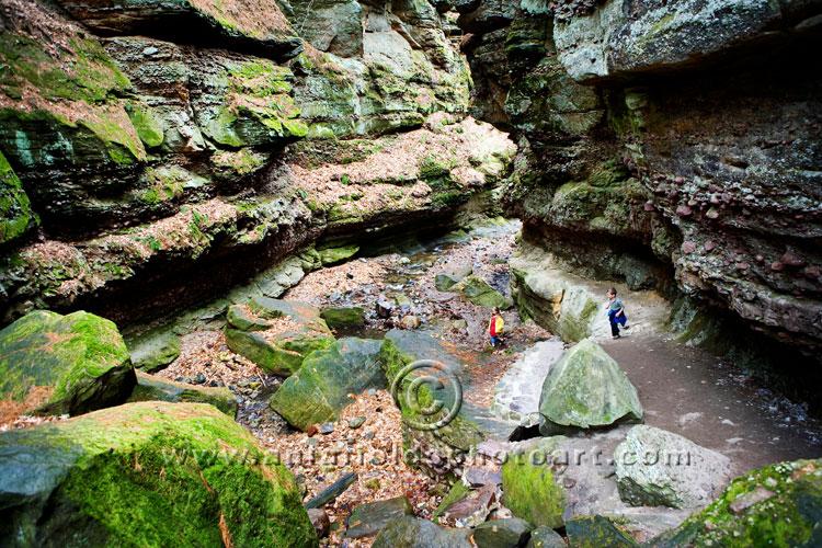 Hiking in Wisconsin  Parfreys Glen Sauk County WI