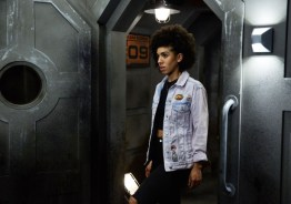 Doctor Who S10 - TX: 13/05/2017 - Episode: Oxygen (No. 5) - Picture Shows: Bill (PEARL MACKIE) - (C) BBC/BBC Worldwide - Photographer: Simon Ridgway
