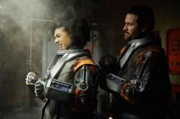 Doctor Who S10 - TX: 13/05/2017 - Episode: Oxygen (No. 5) - Picture Shows: Bill (PEARL MACKIE), Ivan (KIERAN BEW) - (C) BBC/BBC Worldwide - Photographer: Simon Ridgway