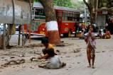 A Mumbai, essere piccolo può essere difficile.