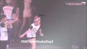 Seohyun Donghae Siwon BONUS EXSEO Moment @ SMTOWN Osaka 2015.mp4_000153375