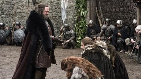 Robert_llega_a_Invernalia_HBO