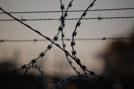 barbed-wire-765484_640