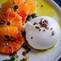 Burrata con insalata di arance rosse al fior d'arancio