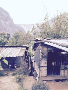 tea shop beneath the Idukki dam