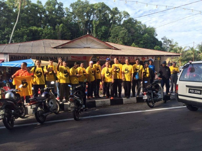 bersih-group-at-lumut-1-october-2016