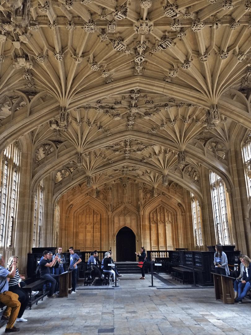 Locação da Biblioteca Bodleian onde foram gravadas diversas cenas da série.