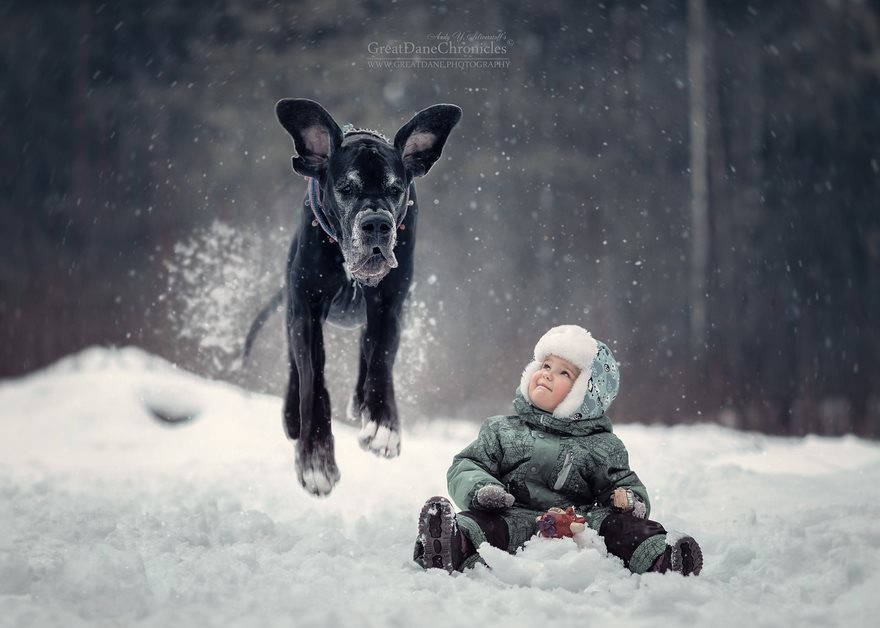 3-heart-melting-pics-of-kids-and-their-huge-pets
