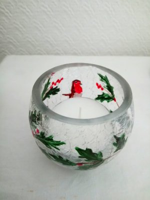 Christmas large tealight holder with a robin and holly