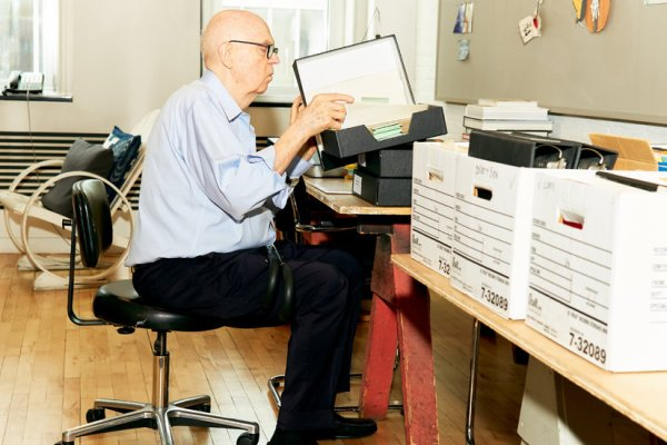 For Claes Oldenburg, a Time to Let Go, a Time to Look Ahead