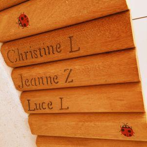 Nom des donateurs gravés dans la Passerelle des Coccinelles